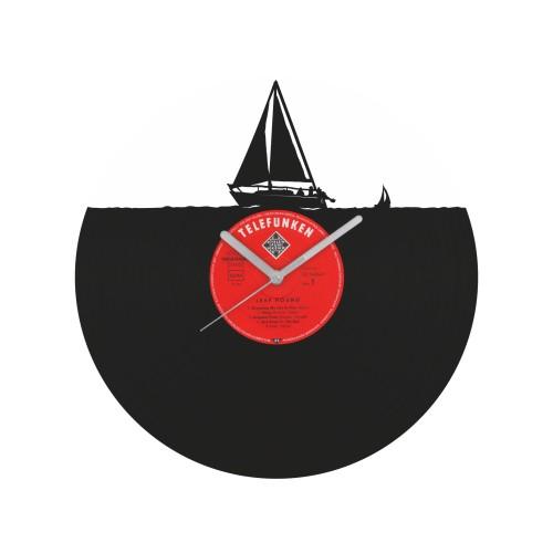 Yacht laikrodis iš perdirbtos vinilinės plokštelės